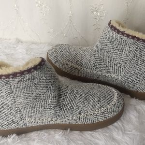 Sanuk Women's Size 9 Cush N' Blaze Boots NEW